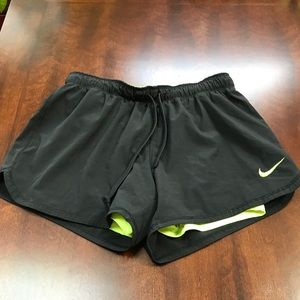 🍏 Nike shorts with lining